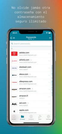dashlane-iphone-1-208x450