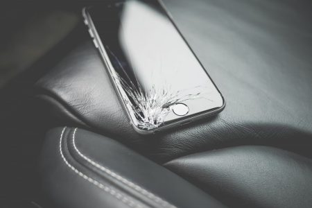 black_and_white_brand_broken_close_up_cracked_damaged_iphone_luxury-958695-450x300